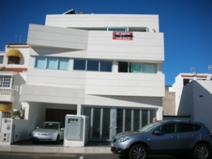 Contemprary Townhouse for sale in La Caleta